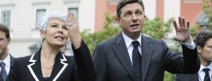 La primer ministra croata, Jadranka Kosor, y su colega esloveno, Borut Pahor, ayer en Liubliana. / REUTERS