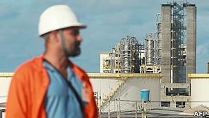 Saúde de Chávez gera incertezas sobre exportação de petróleo venezuelano a vizinhhos da região
