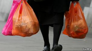 Britânica quer que pessoas 'pensem duas vezes a respeito de produtos descartáveis'