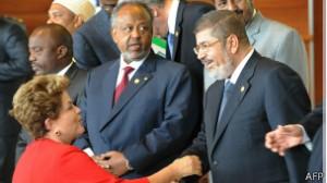Visitas de Dilma à África são tentativa de intensificar relações diplomáticas e comerciais entre os dois blocos