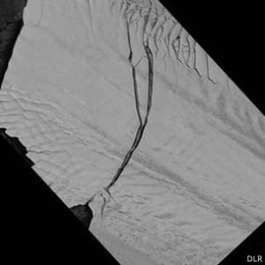 Iceberg gigante levou dois anos para se desprender do glaciar