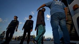 Lampedusa (acima), Sicília e Malta viraram a principal porta de entrada dos que tentam migrar à Europa