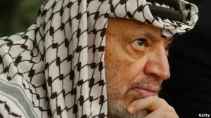 """Franceses dizem que Arafat morreu de """"infecção generalizada"""", contrariando conclusão dos suíços"""