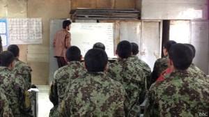 Apenas um terço dos afegãos sabem ler e escrever, segundo governo