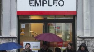 Em países como Espanha, mais pessoas vivem em lares onde ninguém recebe renda profissional