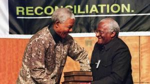 Nelson Mandela e Desmond Tutu, respectivamente, criador e presidente da Comissão da Verdade sul-africana