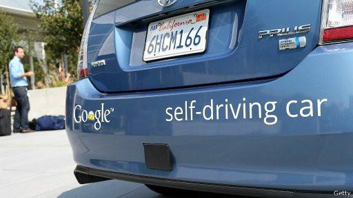 O Google atualmente desenvolve um automóvel que se dirige sozinho