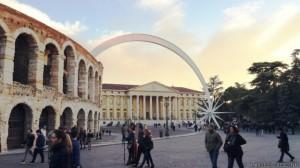 Medida polêmica pretende preservar espaços turísticos, como a Arena de Verona