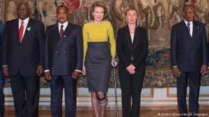 Da esq. para a dir.: Ernest Bai Koroma, presidente de Serra Leoa, Sassou N'Guesso, presidente do Congo, rainha Mathilde da Bélgica, Federica Mogherini, chefe da diplomacia da UE, e Alpha Conde, presidente da Guiné